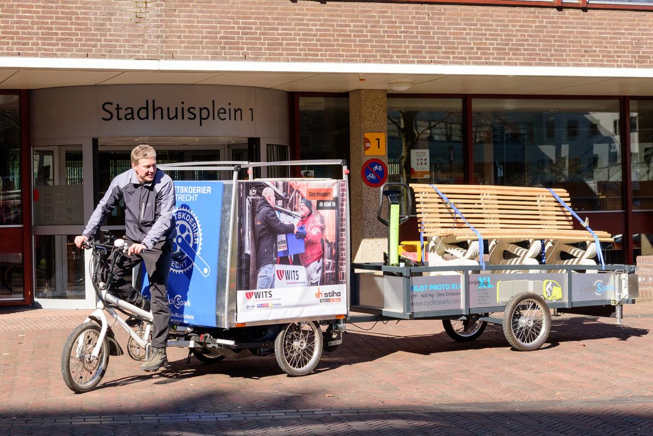 Cargobike brengt bank 3D Betonprinter naar Stadhuis Amersfoort