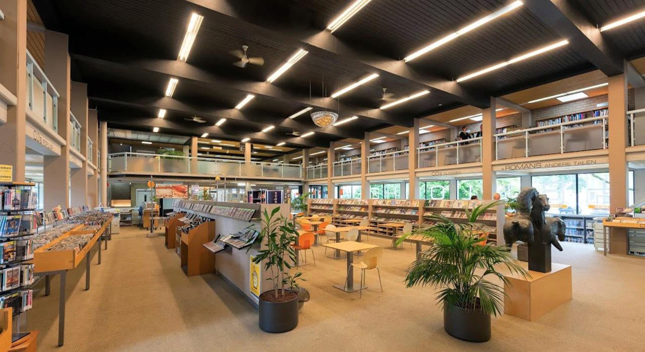 interieur bibliotheek Zonnehof Amersfoort