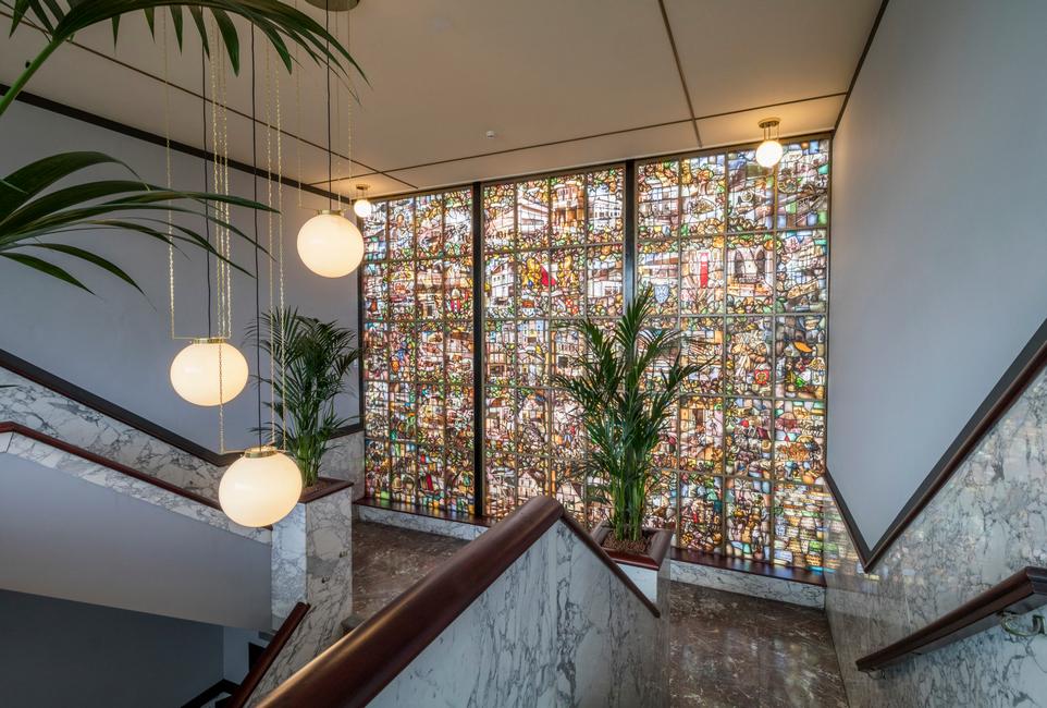 restauratie kantoor Jongerius Utrecht Heilijgers glas in lood raam
