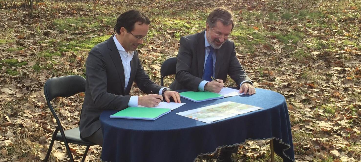 ondertekening nieuwbouw appartementen Vlotlaan Zeist Heilijgers Bouw woningbouwvereniging