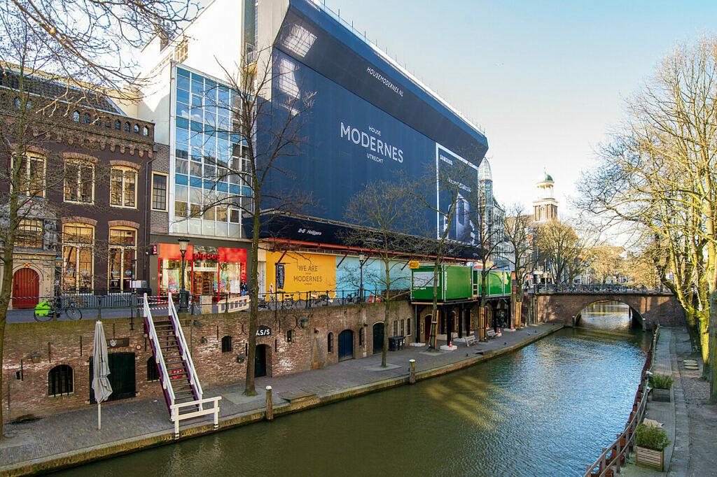 House Modernes De Blauwe Planeet Oude Gracht Utrecht - Heilijgers Bouw
